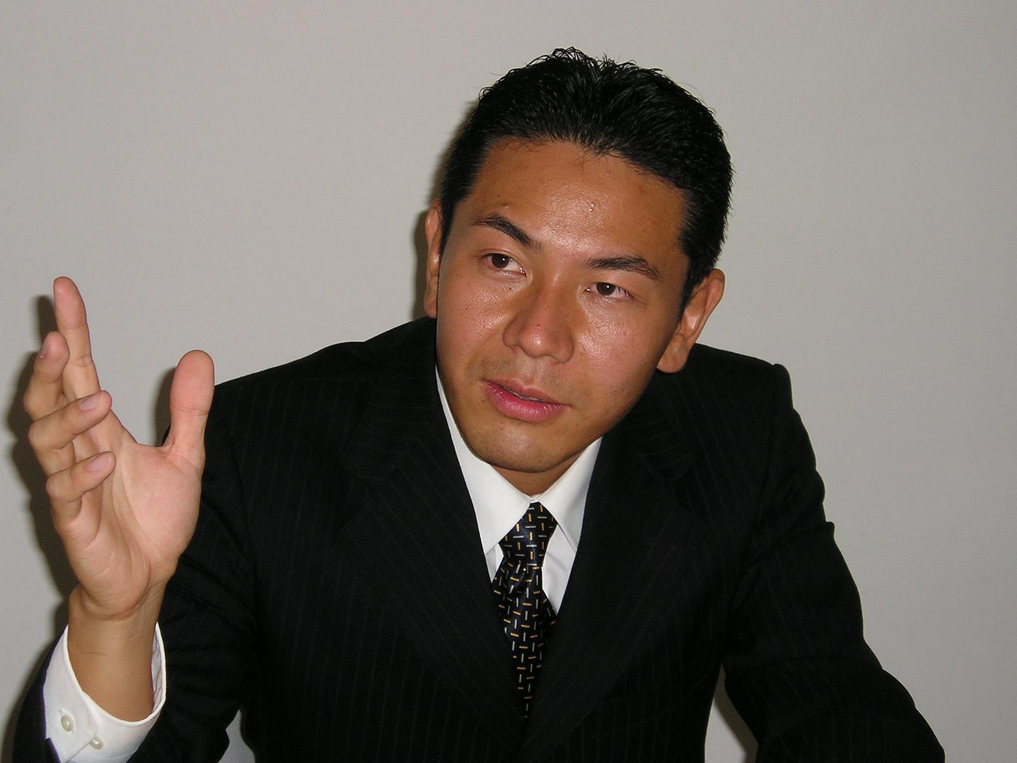 人に悩む企業のための 経営コンサルタント 田中章友 写真